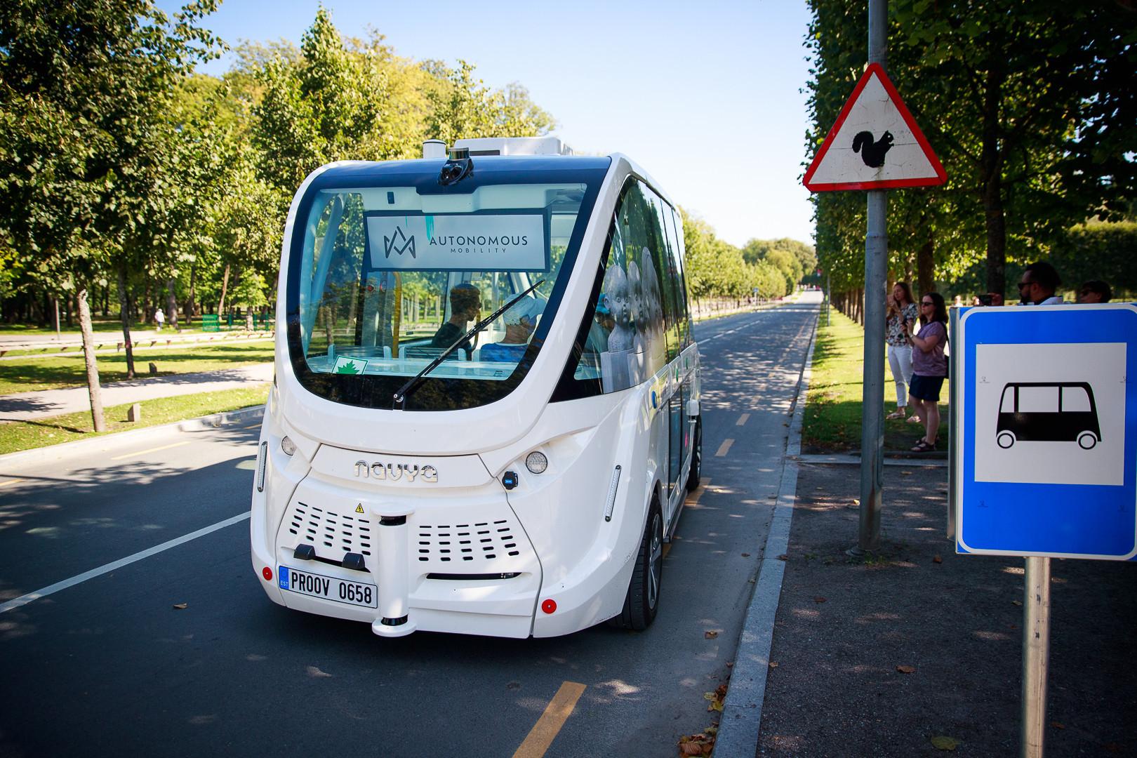 driverless public bus
